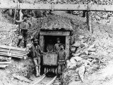miners-in-adit